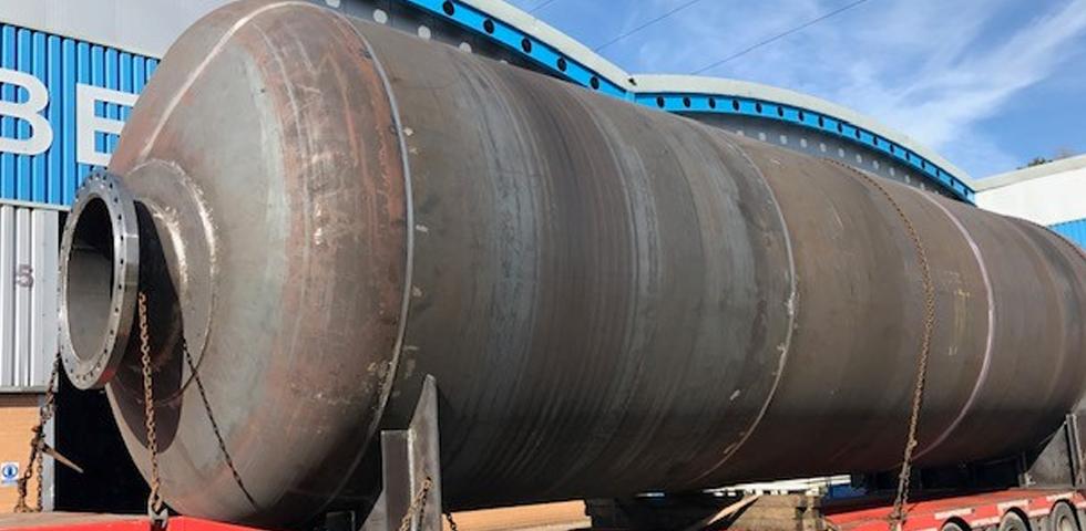 Firma Barnshaws po raz kolejny przekroczyła własne granice produkując największy spawany zbiornik. first image
